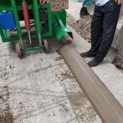 混凝土拦水带滑模机