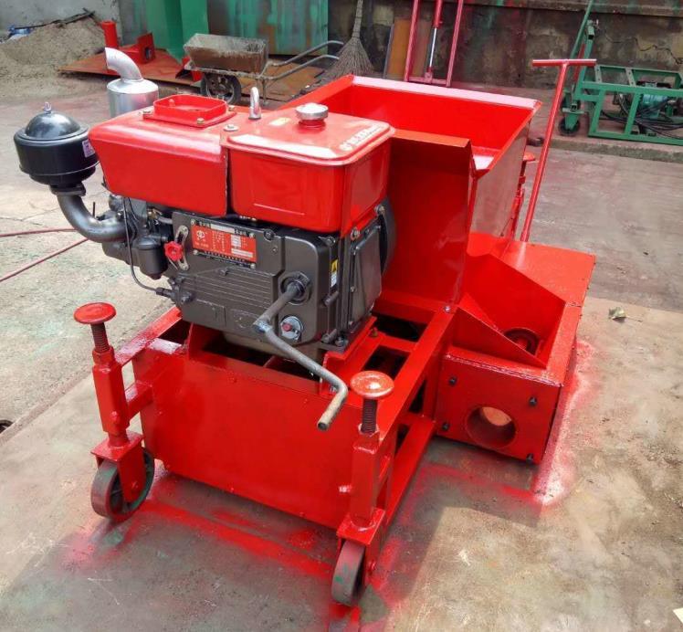 老款柴油手动式拦水带成型机